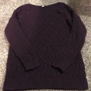 Maroon thicker sweater